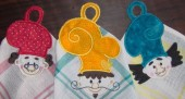 CSS418 - Applique Towel Hangers